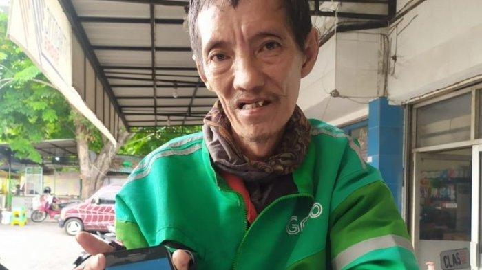 Driver Ojol Hujan-hujan Antar Pesanan, Ternyata Lokasi yang Dituju Rumah Kosong
