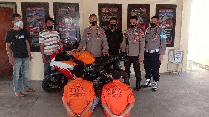 Tadah Motor Curian, Ayah dan Anak Meringkuk di Sel Tahanan Polsek Pringsewu Kota
