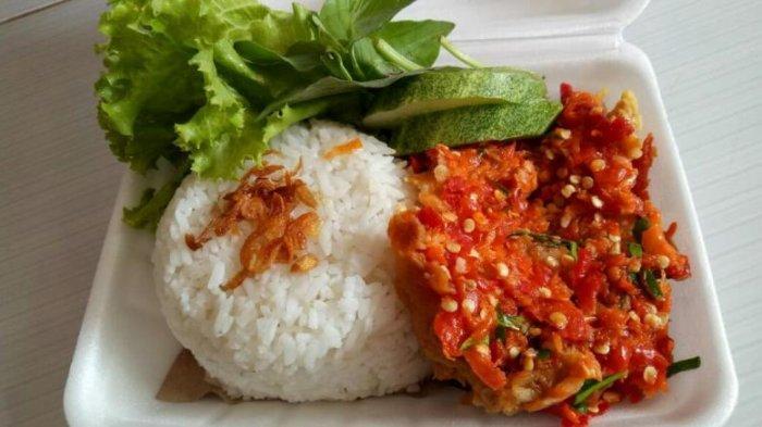 Kuliner Lampung, Pedasnya Ayam Geprek Rama Snack, Penikmat Makanan Pedas Wajib Coba