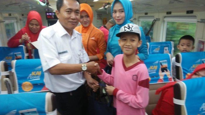 Siswa SD Antusias Ikut Program Ayo Naik Kereta Api yang Digelar PT KAI Divre IV Tanjungkarang