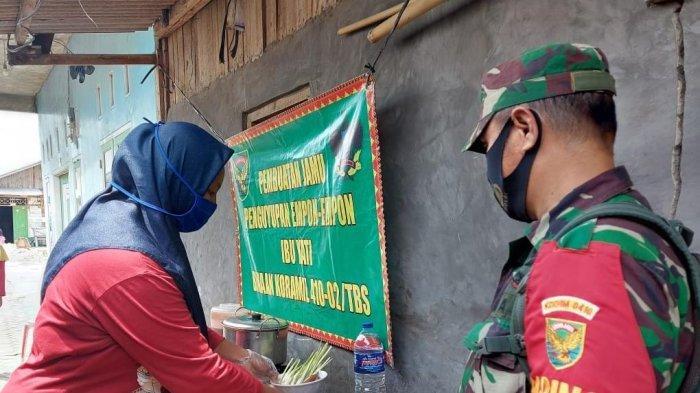 Dukung UMKM, Babinsa Koramil 410-02/TBS Serda Hendrik Kunjungi Warga Penjual Jamu Tradisional