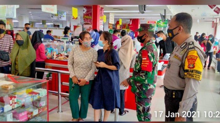 Tim Satgas Rutin Imbau Prokes dan 3M kepada Pengunjung Pusat Perbelanjaan