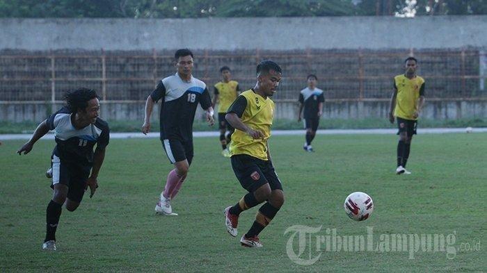 Badak Lampung FC Gelar Uji Coba untuk Ukur Kemampuan Pemain
