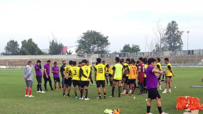 iLUSTRASI. Simak, profil tim Badak Lampung FC di Liga 2 2021 dan daftar skuad pemain BLFC, jelang bergulirnya jadwal Liga 2 2021. Sebelumnya, Badak Lampung dikenal dengan nama Perseru Serui.