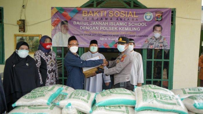 Baitul Jannah Islamic School bersama Polsek Kemiling Gelar Bakti Sosial di Masa Pandemi Covid-19