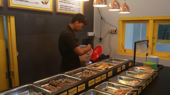 KULINER LAMPUNG - Capit All, Surganya Para Pecinta Bakso di Bandar Lampung. Bakso Sumsumnya Juara!