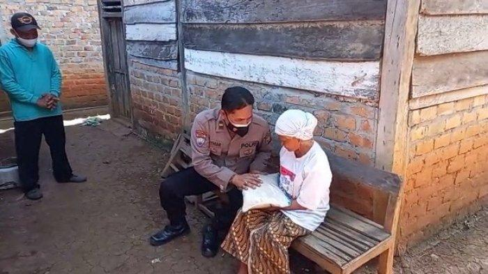 Baksos Polres Way Kanan Lampung Menyasar Warga Terdampak Covid-19