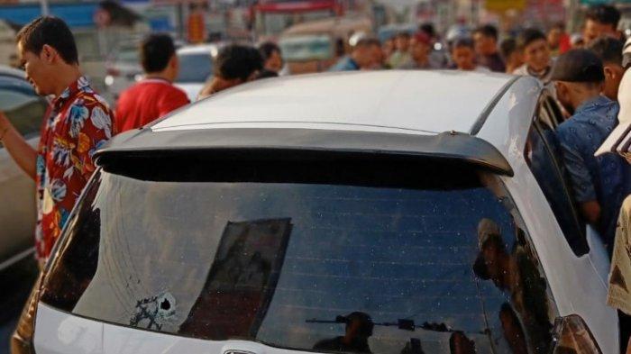 Fakta Baku Tembak Polisi dengan Begal di depan Polsek, Pelaku Tertembak Bawa Kabur Mobil Buser