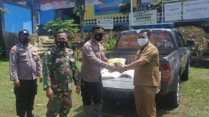 134 Rumah Terendam Banjir, Polres Tanggamus Salurkan Bantuan Beras