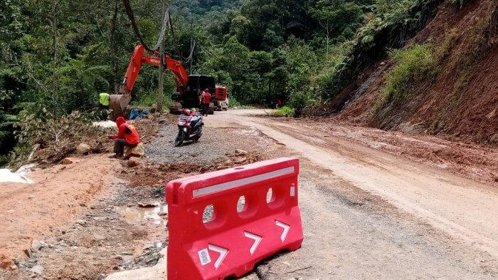 Banjir hingga Longsor di Lampung Barat, Luapan Way Mentrang Mencapai 7 Meter
