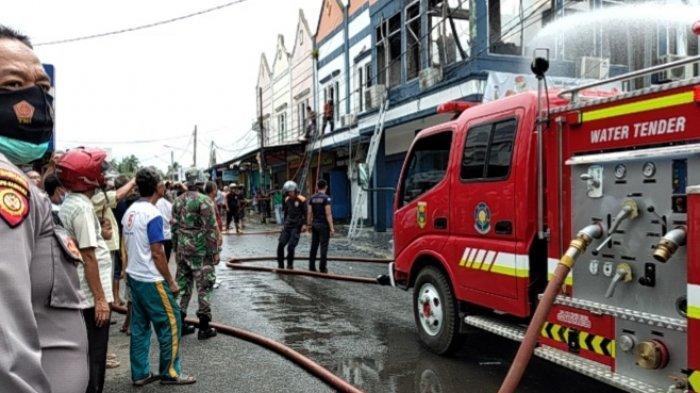 Lihat Kepulan Asap di Lantai 2, Satpam Bank Lampung Kota Agung Padamkan Api Pakai Alat Seadanya