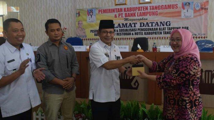 Bank Lampung Beri 25 Alat Tapping Box Dukung Pemkab Tanggamus Kontrol Pajak Daerah