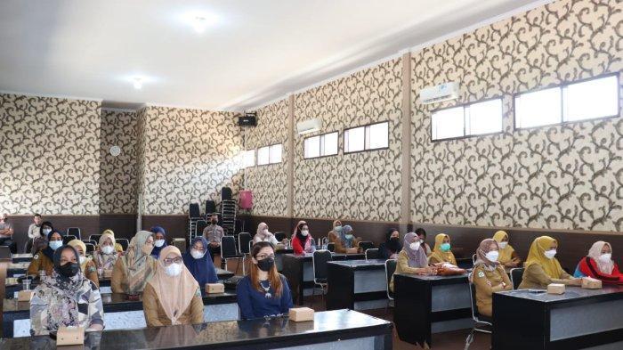 67 Anggota Bhayangkari Polres Lamsel Jadi Relawan Vaksinasi Covid-19