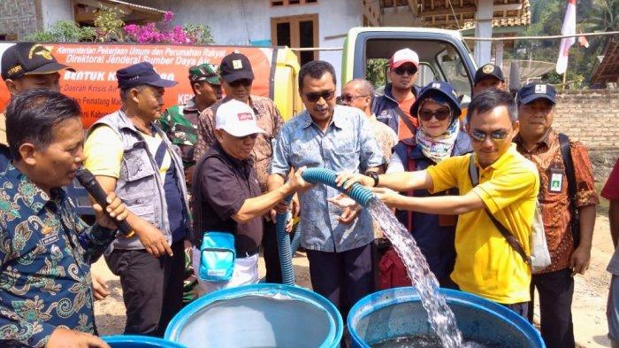 Kemen PUPR Salurkan 22 Ribu Liter Air Bersih di Bakauheni