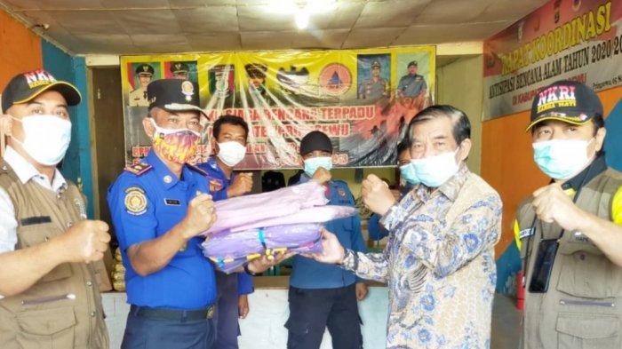 Petugas Pemulasaran BPBD Pringsewu Tak Lagi Pakai APD, Anggota DPRD Lampung FX Siman Beri Bantuan