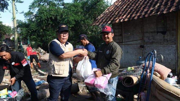 Pemkab Salurkan Bantuan Sembako hingga Air Bersih Kepada Korban Banjir Pesawaran