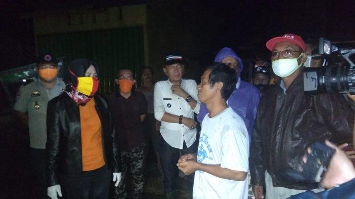 Banyak Kabel Listrik Putus, Kondisi 3 Kampung Terdampak Puting Beliung di Tuba Gelap Gulita
