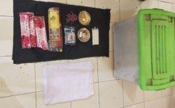 Polisi Sita Barang Bukti Empat Bungkus Dupa dan Sebungkus Garam Kasar