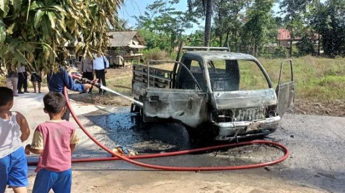 Bawa Jeriken Berisi Bensin, Mobil Pikap Ludes Terbakar di Natar