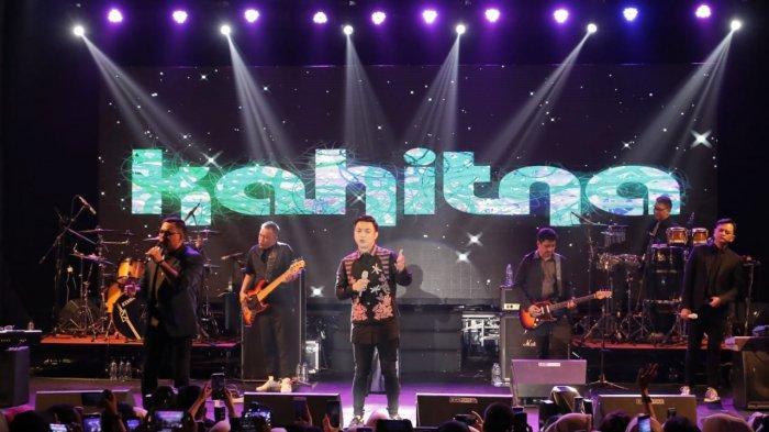 Bawakan 13 Lagu, Kahitna Sukses Buat Ribuan Penonton di Bandar Lampung Terpukau