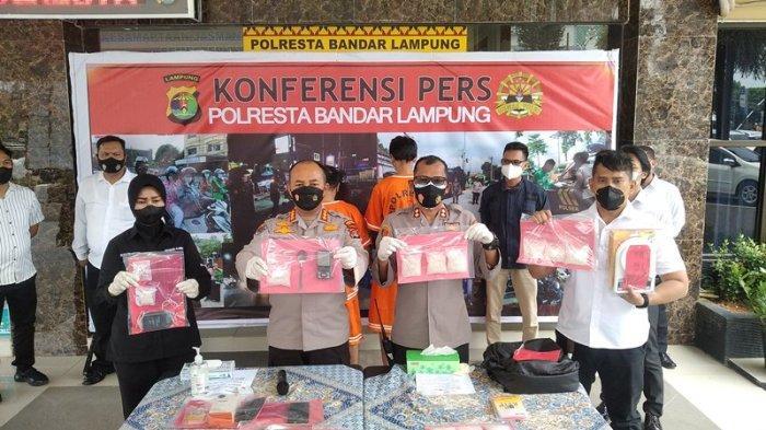 BB Sabu Seberat 1,02 Kg Diamankan dari 2 Tersangka Bandar Sabu di Bandar Lampung