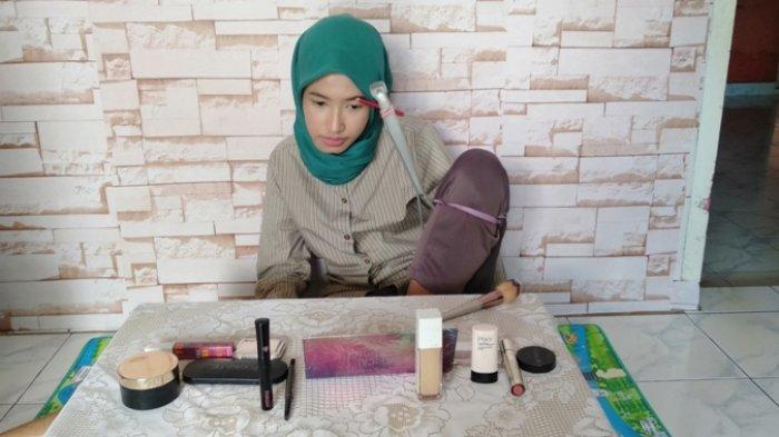 Beauty Vlogger Disabilitas Lampung Miliki 35,5 Ribu Subscriber, Bikin Tutorial Makeup Pakai Dengkul
