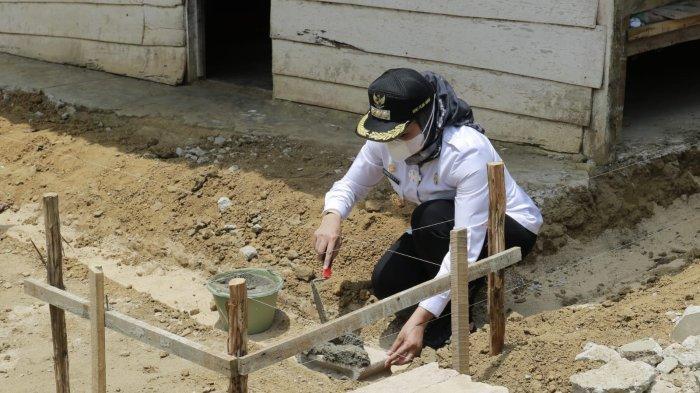 66 Warga Kurang Mampu di Tulangbawang Lampung Dapat Program Bedah Rumah