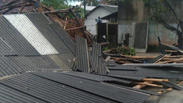 Bencana Puting Beliung di Lampung Timur Rusak Belasan Rumah Warga