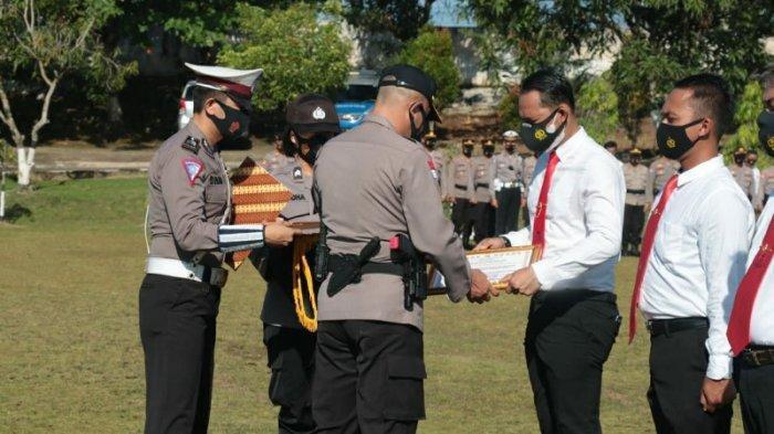 Berhasil Ungkap Kasus Curas, Kasatreskrim Polres Lampung Utara Dapat Penghargaan dari Kapolres
