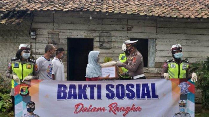 Operasi Zebra Krakatau 2020, Polres Lampung Tengah Bagikan 500 Kg Beras Kepada Warga Kurang Mampu