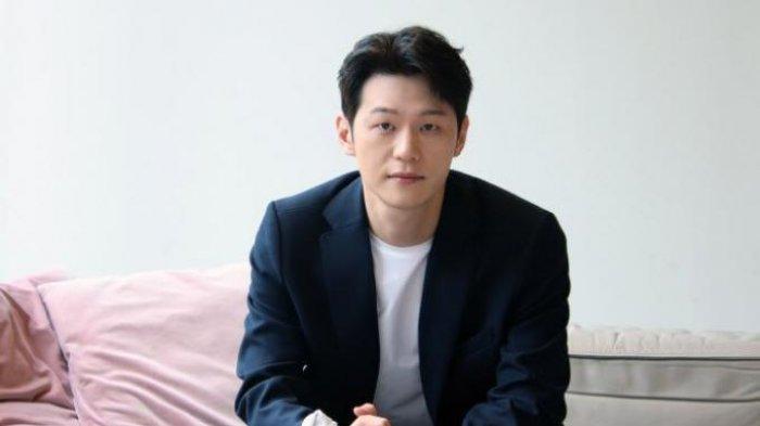Biodata Lee Hak Joo Pemeran Drama Korea Private Lives ...