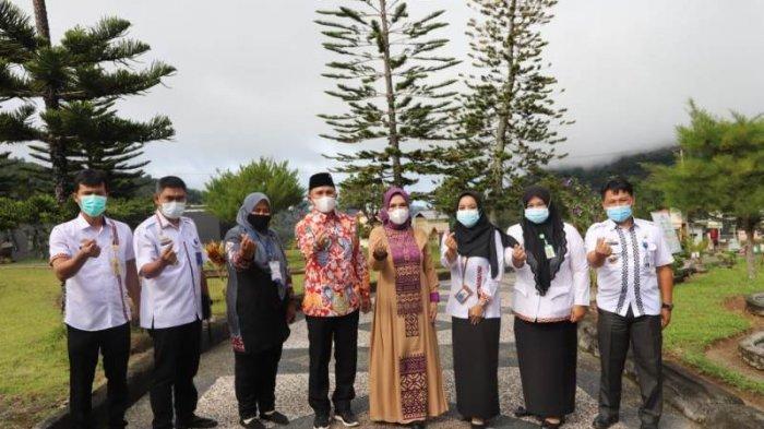 BKKBN Lampung Barat Gelar Pendataan Keluarga, Keluarga Bupati Parosil Jadi yang Pertama