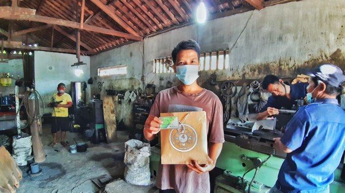 Peringati Bulan K3, BPJAMSOSTEK Lampung Tengah Bagikan Safety Kit ke Pelaku Usaha Mikro