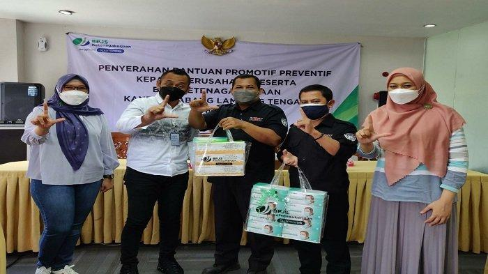 BPJamsostek Lampung Tengah Salurkan Bantuan APD, hingga Pelatihan K3 ke Mitra