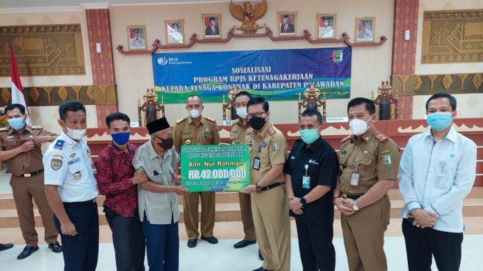Sosialisasi Program BPJS Ketenagakerjaan kepada Tenaga Kontrak di Kabupaten Pesawaran
