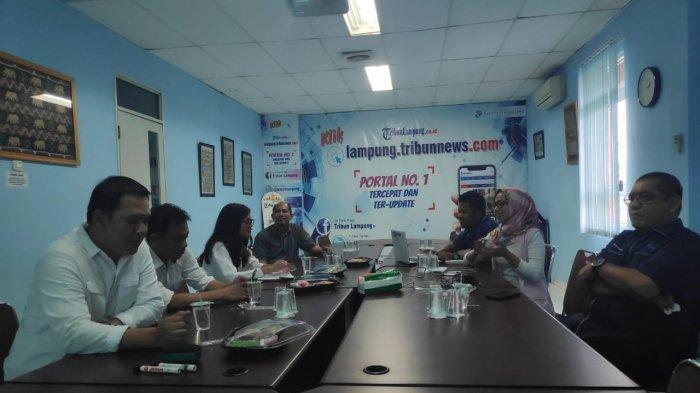 Silaturahmi Sriwijaya Air ke Kantor Tribun Lampung, Darmando Purba: Lampung Cocok untuk MICE