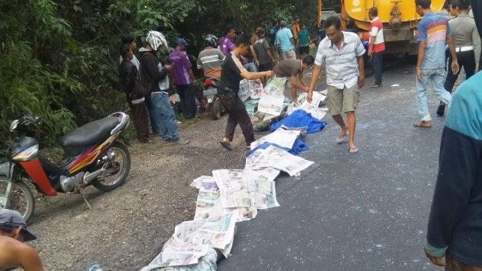 BREAKING NEWS - Polisi Masih Identifikasi Korban 'Adu Kambing' Bus dan Truk Tangki di Way Kanan