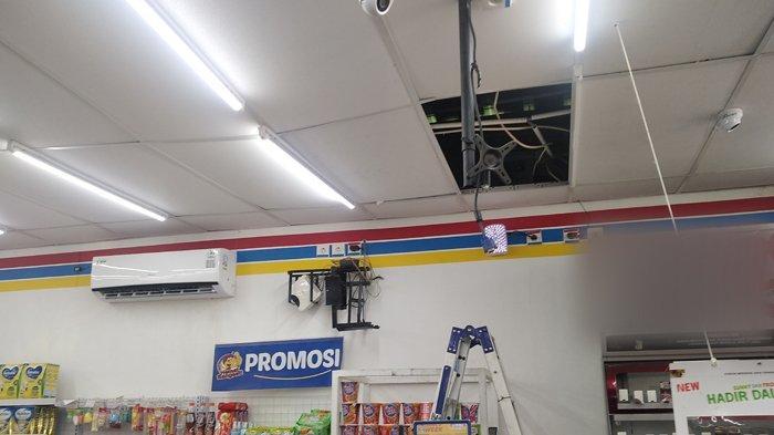 BREAKING NEWS Aksi Pencurian Terjadi di Minimarket di Bandar Lampung, Pelaku Bobol Atap