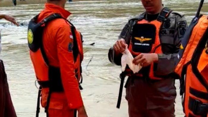 BREAKING NEWS Basarnas dan BPBD Lamteng Temukan Jenazah Diduga Tenggelam di Sungai Way Seputih