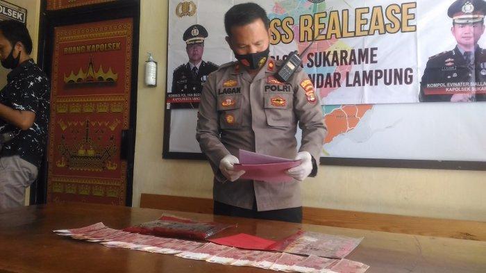 BREAKING NEWS Beli Rokok Pakai Uang Palsu, 2 Pemuda di Bandar Lampung Terciduk Polisi