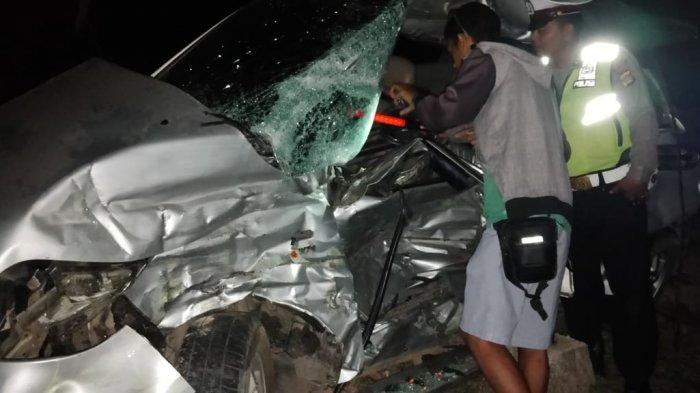 BREAKING NEWS - Daihatsu Terios Tabrak Pembatas Jalan di Jalintim Mesuji, Satu Orang Tewas