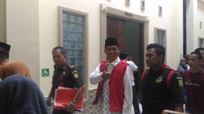 BREAKING NEWS - Fajrun Najah Ahmad Jalani Sidang Perdana Kasus Dugaan Penipuan Rp 2,75 Miliar