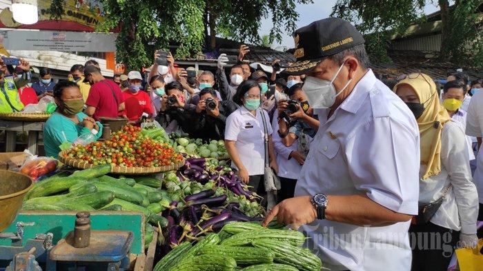 BREAKING NEWS Gubernur Arinal Sidak Pasar Pasir Gintung, Cek Harga dan Penerapan Prokes