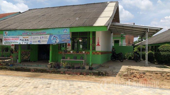 Lokasi parkiran SD Negeri 1 Rejosari, Kotabumi, Lampung Utara, tempat aksi pencurian motor atau curanmor yang menimpa guru honorer di sekolah tersebut, Rabu, 3 Maret 2021.