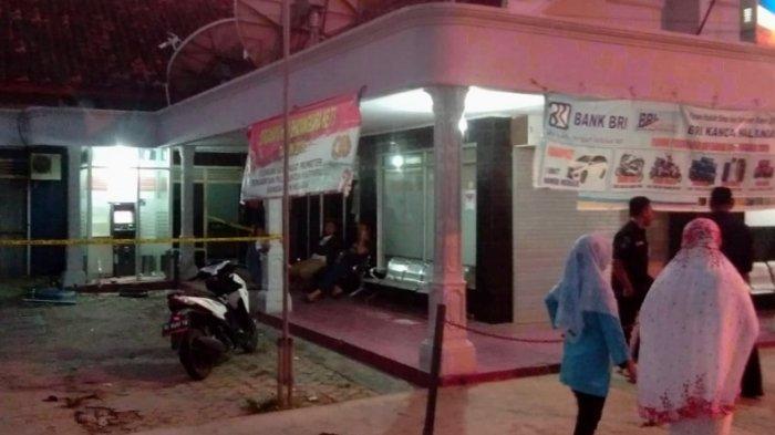 BREAKING NEWS - Kawanan Perampok Bobol ATM BRI di Lampung Selatan