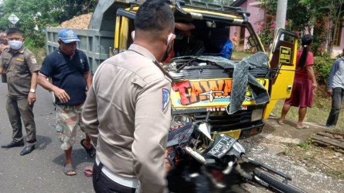 BREAKING NEWS Kecelakaan Maut Libatkan 3 Kendaraan di Jalinbar Pesawaran, 2 Pemotor Tewas