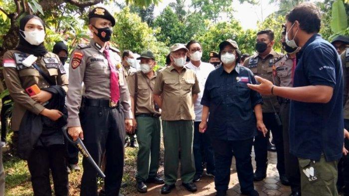 BREAKING NEWS Menteri LHK Siti Nurbaya Lihat 2 Anakan Orang Utan di JAAN Kalianda