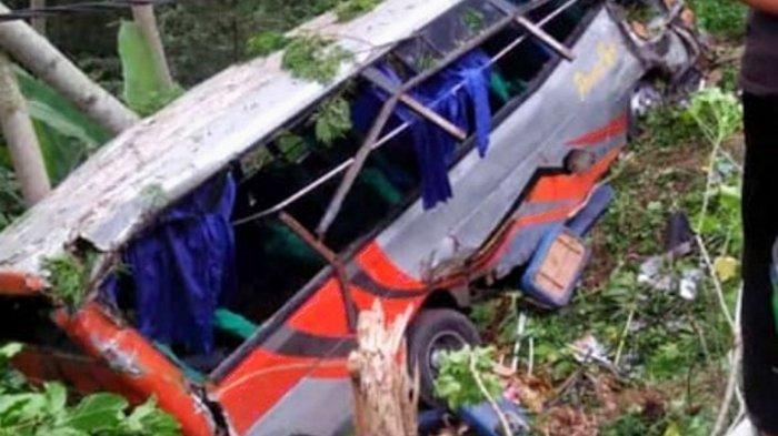 29 Penumpang Dirawat, Bus Berisi Rombongan Pengantin Masuk Jurang Diduga karena Rem Blong