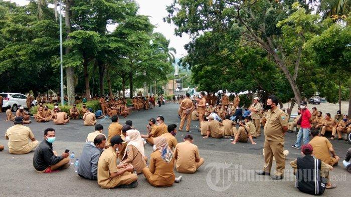BREAKING NEWS Ratusan Kades dan Staf Datangi Kantor Bupati Lampung Selatan