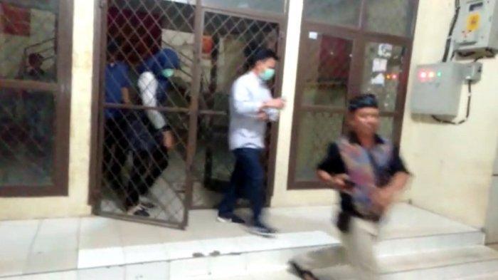 BREAKING NEWS - Satgas KPK Datangi Kantor Dinas PUPR Lampung Utara, Ini yang Dibawa